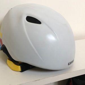 Snow sport helmet